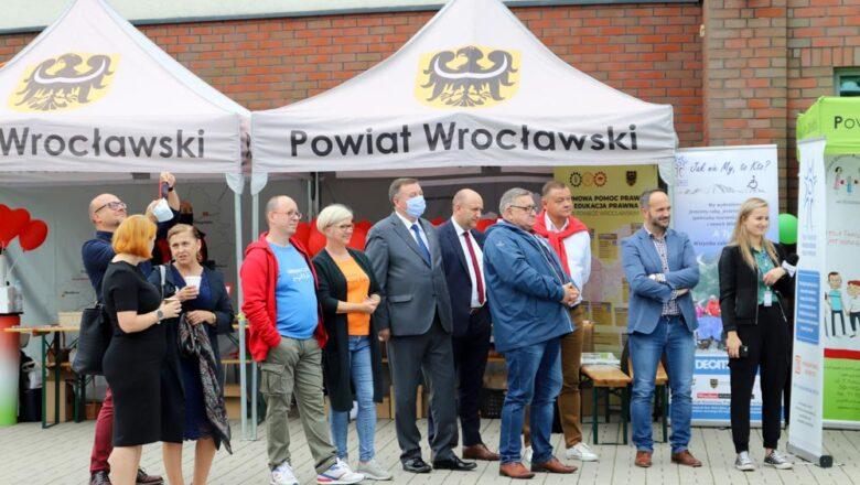 Starostwo Powiatowe we Wrocławiu: Biała Niedziela